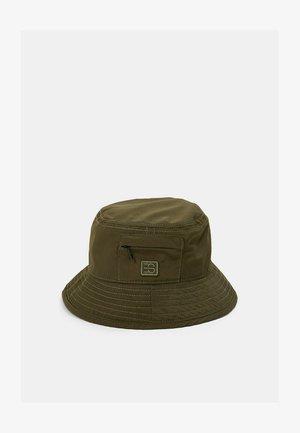 Hat - khaki green