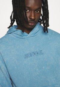 Nike Sportswear - HOODIE WASH - Hoodie - light blue - 5