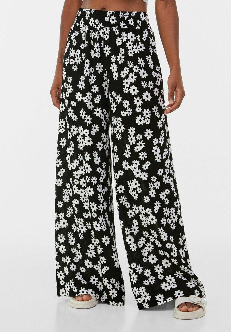 Bershka - Pantalon classique - black/white