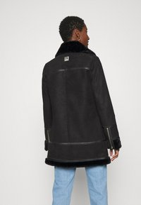 Freaky Nation - ARCTIC VILLAGE - Cappotto invernale - black - 2