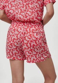 O'Neill - Shorts - red with pink or purple - 1