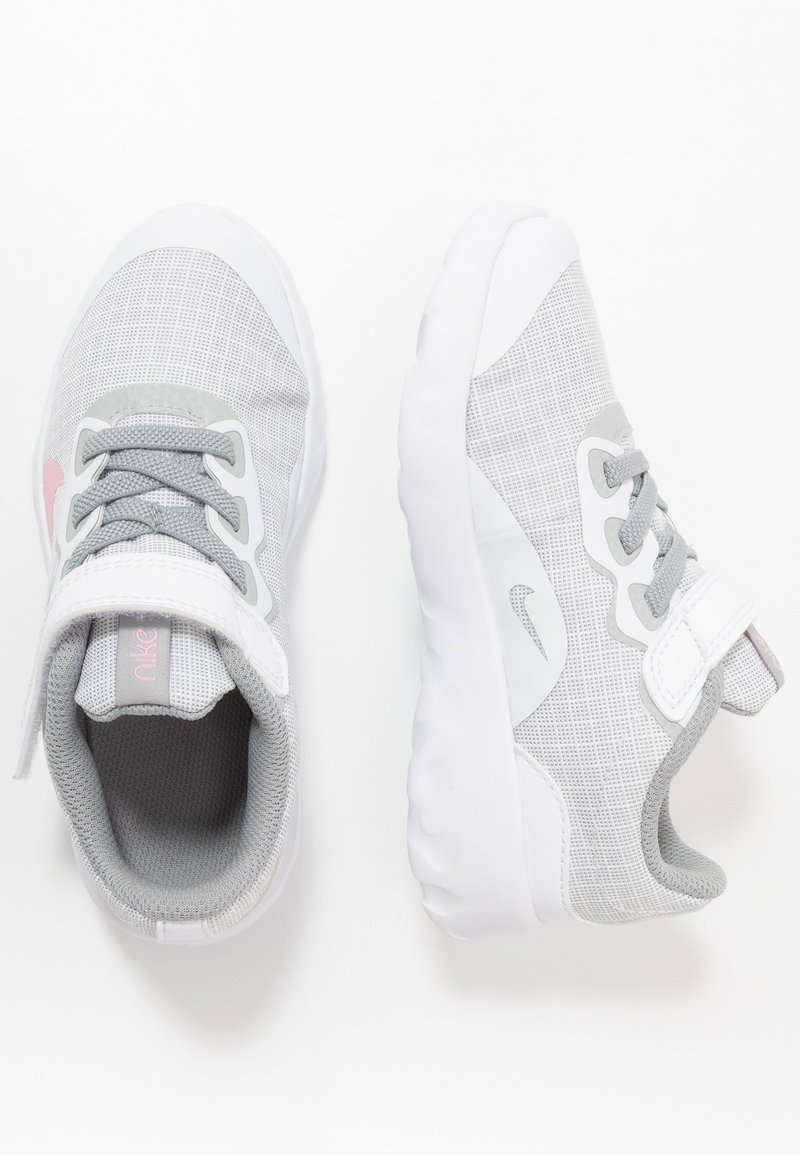 Nike Sportswear - EXPLORE STRADA - Sneakers laag - white/pink/light smoke grey