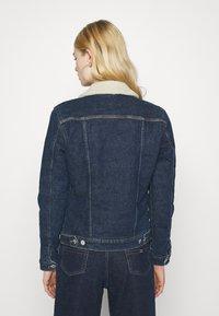 Tommy Jeans - TRUCKER JACKET  - Denim jacket - oslo dark blue - 2