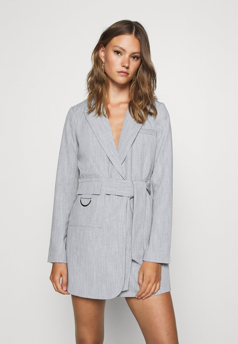 4th & Reckless - RUBY BLAZER DRESS - Robe chemise - grey