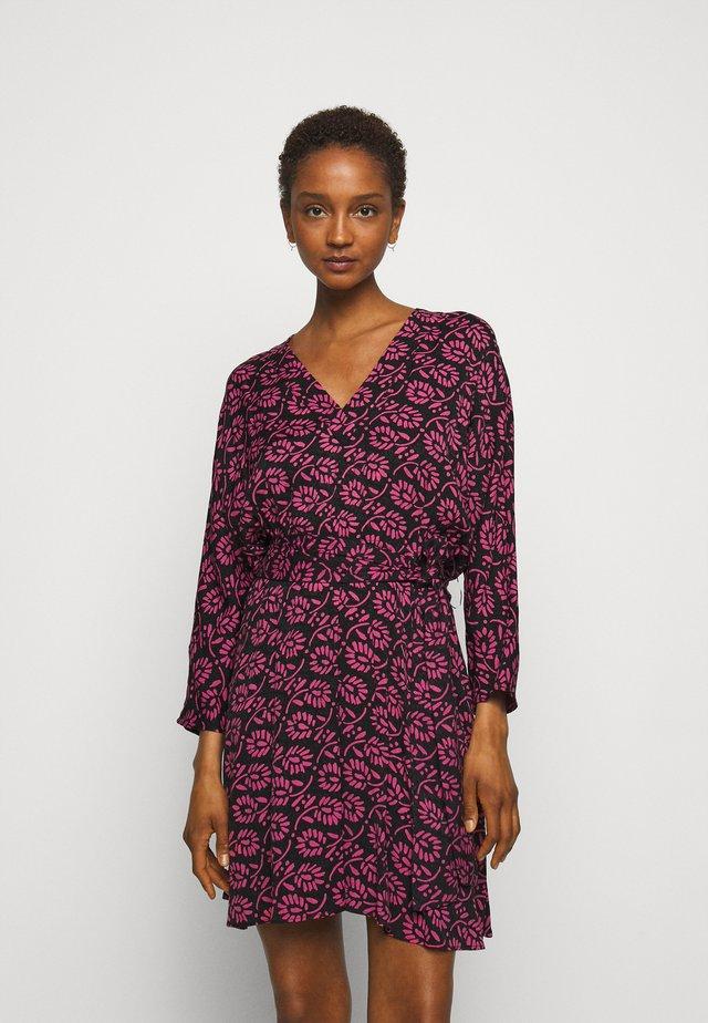 ROXANNE - Korte jurk - black