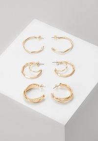 PCSANDRA HOOP EARRINGS 3 PACK - Earrings - gold-coloured