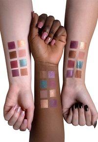 Luvia Cosmetics - MYSTIC LAGOON EYESHADOW PALETTE - Eyeshadow palette - - - 2
