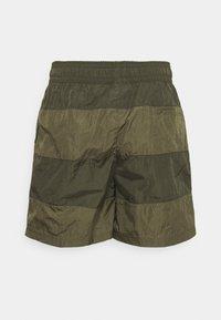 Nike Sportswear - Shorts - medium olive/khaki - 6
