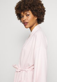 Marks & Spencer London - DRESSING GOWN COVER UPS - Dressing gown - pink - 3
