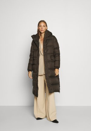 BIG PUFFER COAT FILLED - Down coat - dark chocolate