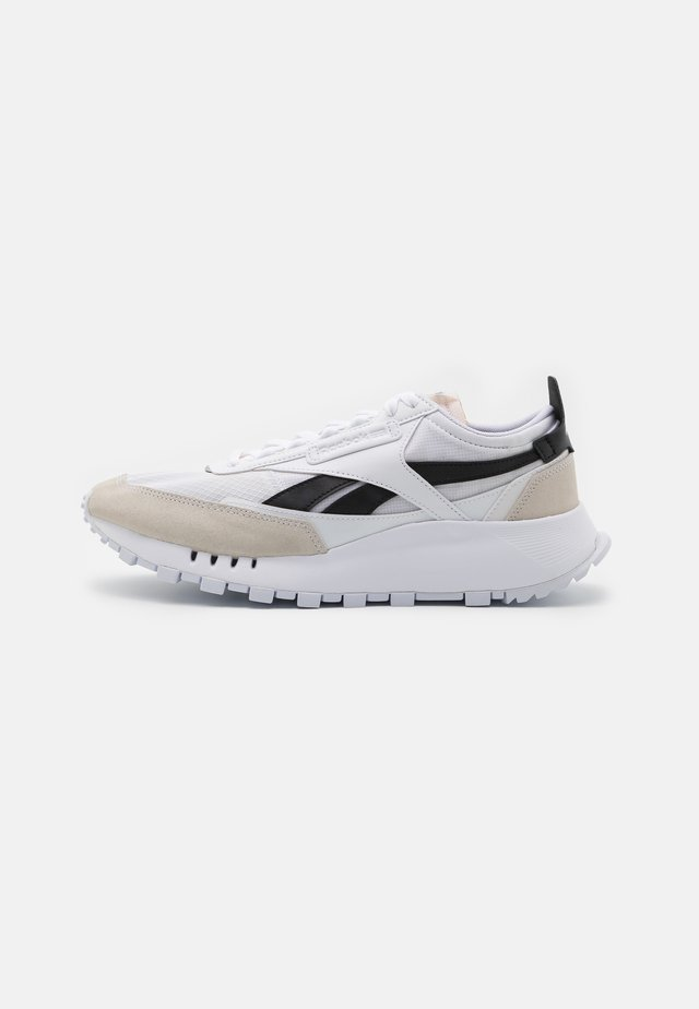 LEGACY UNISEX - Zapatillas - white/black