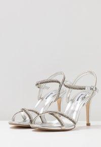 Dune London WIDE FIT - WIDE FIT MAGDALENA - Højhælede sandaletter / Højhælede sandaler - silver - 4