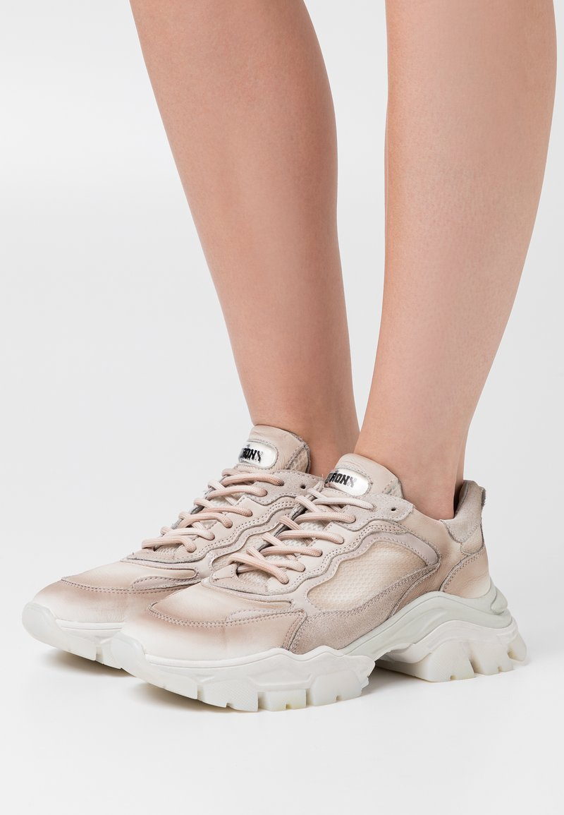 Bronx - TAYKE OVER - Sneakersy niskie - taupe