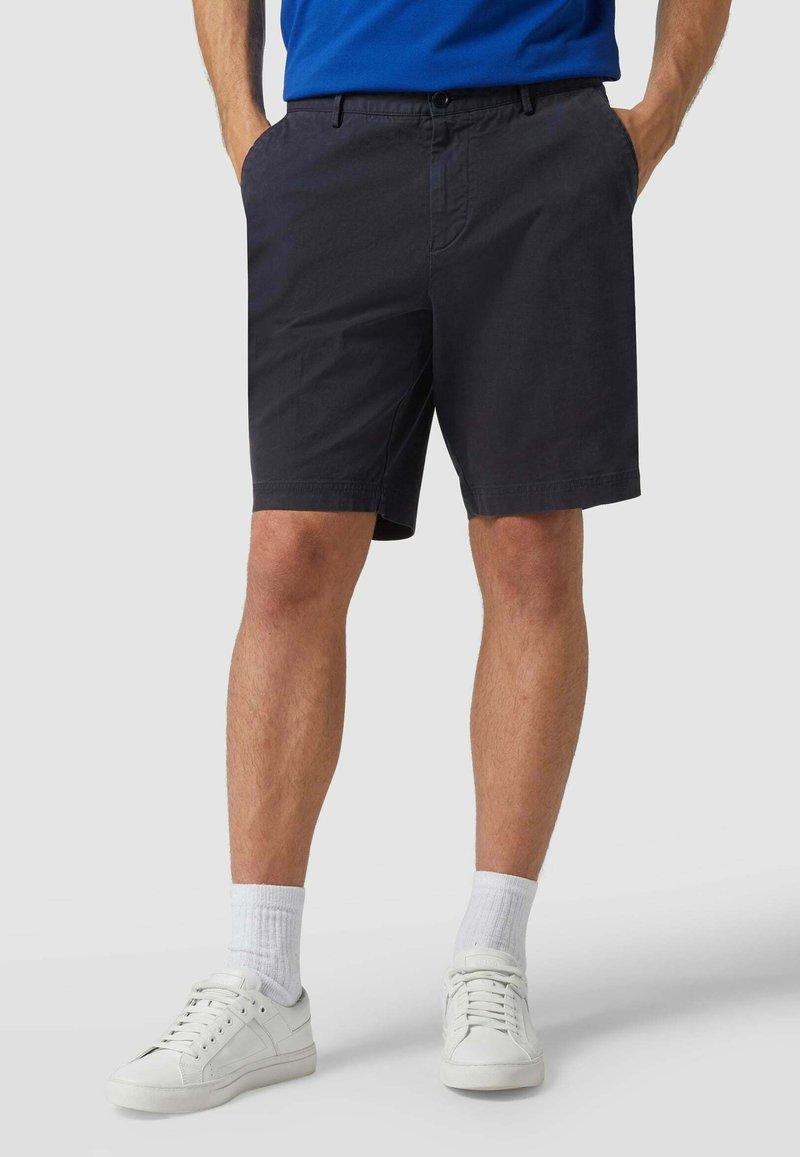 BOSS - Shorts - dunkelblau