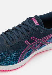 ASICS - GEL DS TRAINER 26 - Neutral running shoes - french blue/hot pink - 5