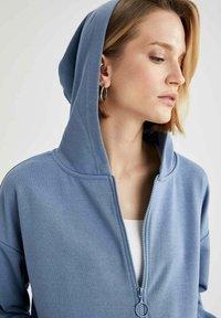 DeFacto - Zip-up hoodie - blue - 3