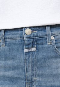 CLOSED - BAYLIN - Flared Jeans - mid blue - 6