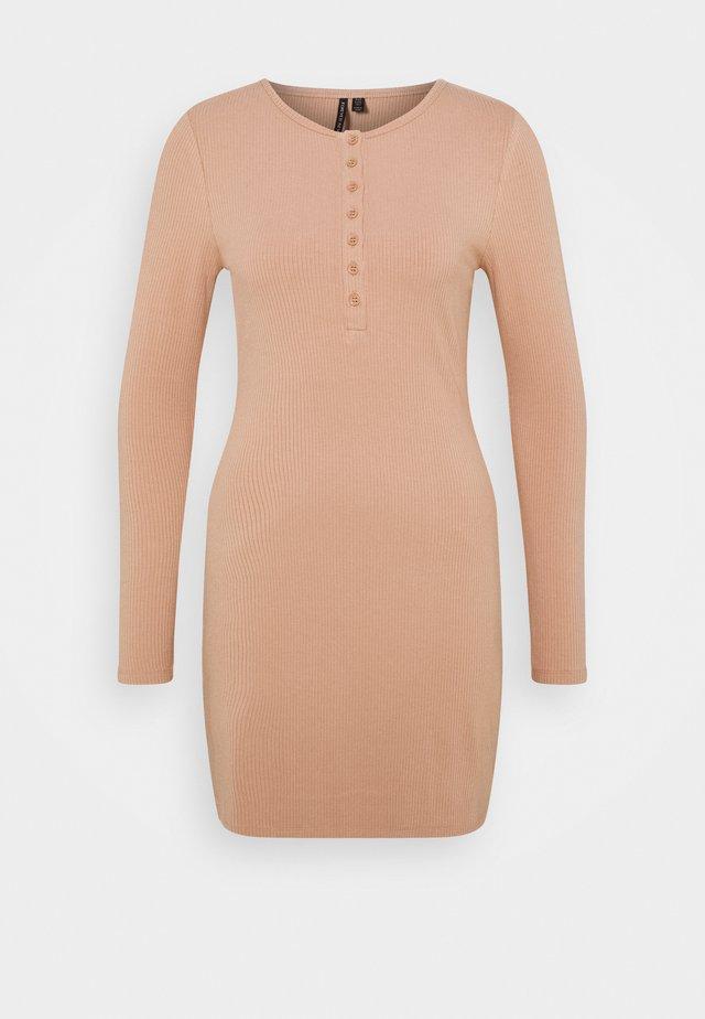 CELESTE BUTTON FRONT MINI DRESS - Jersey dress - camel