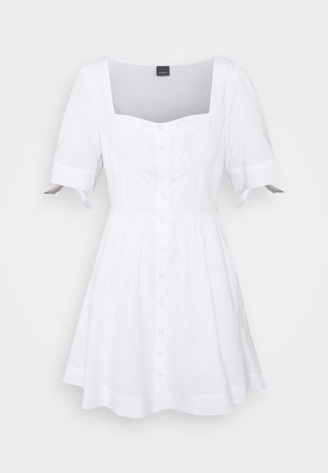 ASSOLTO ABITO PESANTE - Korte jurk - white
