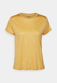 light dusty yellow