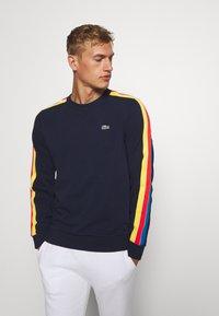 Lacoste Sport - RAINBOW TAPING - Sweatshirt - navy blue/wasp/gladiolus/utramarine/white - 0