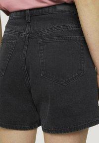 TOM TAILOR DENIM - Denim shorts - dark stone black black denim - 4