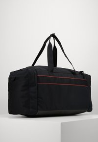 Nike Performance - UTILITY M DUFF - Sports bag - black/track red - 3