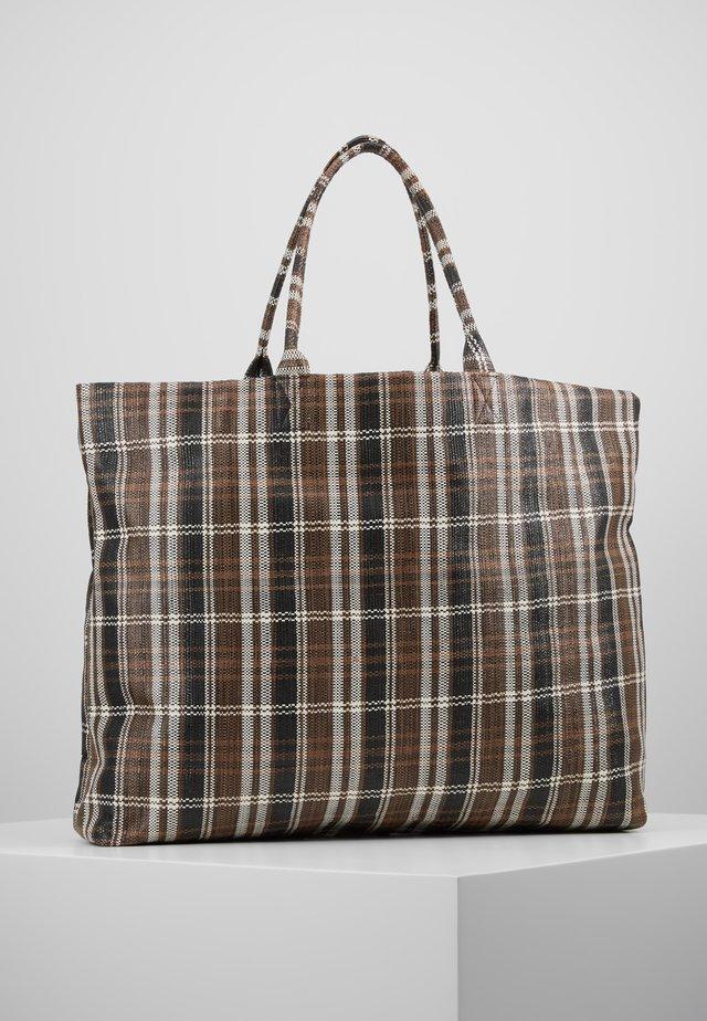 HALINA - Shoppingväska - brown/white