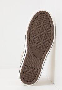 Converse - CHUCK TAYLOR ALL STAR - Baskets montantes - egret/black/vintage white - 4