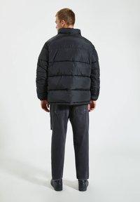 PULL&BEAR - Winterjas - black denim - 2