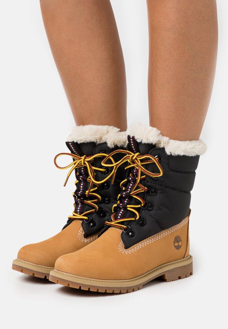 Timberland - 6 INCH HERIT PUFFER - Winter boots - wheat