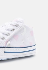 Converse - CHUCK TAYLOR CRIBSTER - First shoes - white/pink/silver - 5