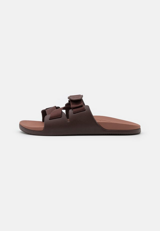 CHILLOS SLIDE - Sandalias planas - chocolate