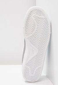 Nike Sportswear - COURT ROYALE - Baskets basses - weiß - 4
