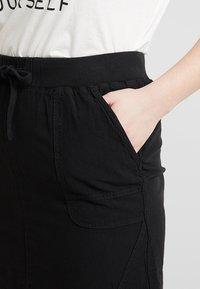 Zizzi - JELENA KNEE SKIRT - Mini skirt - black - 4