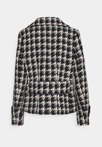 Forever New - HOLLY HOUNDSTOOTH JACKET - Short coat - black - 1