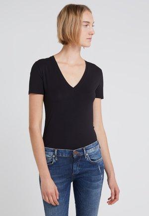 LINARA - Basic T-shirt - black