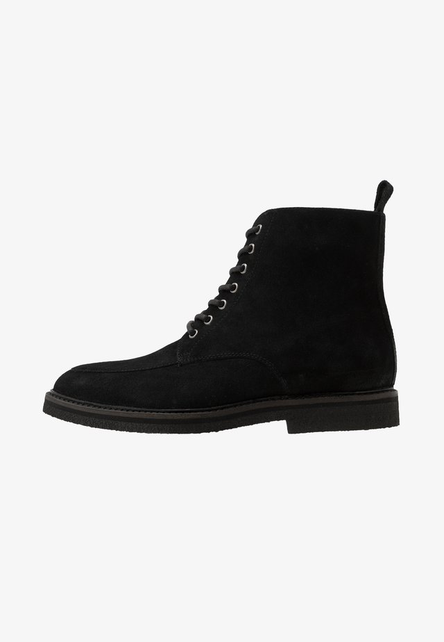 SLICK APRON BOOT - Lace-up ankle boots - black
