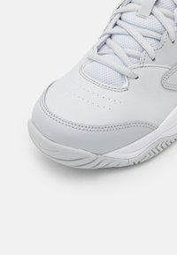 Nike Performance - LITE 2 - Tenisové boty na všechny povrchy - pure platinum/obsidian/white - 5
