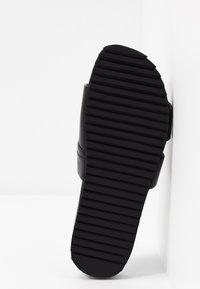 Grenson - CHANNING - Pantolette flach - black - 6