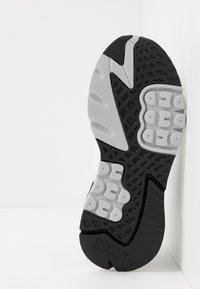 adidas Originals - NITE JOGGER - Sneakers laag - footware white/easy mint - 4