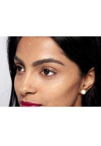 Nyx Professional Makeup - GLITTER GOALS LIQUID EYELINER - Eyeliner - 03 quartzy - 4