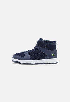 REBOUND LAYUP  - Sneaker high - peacoat/green flash