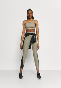 Nike Performance - AIR EPIC FAST - Leggings - light army/black - 1