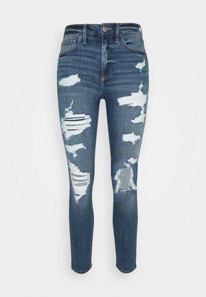 CURVY MED SHRED - Skinny džíny - blue