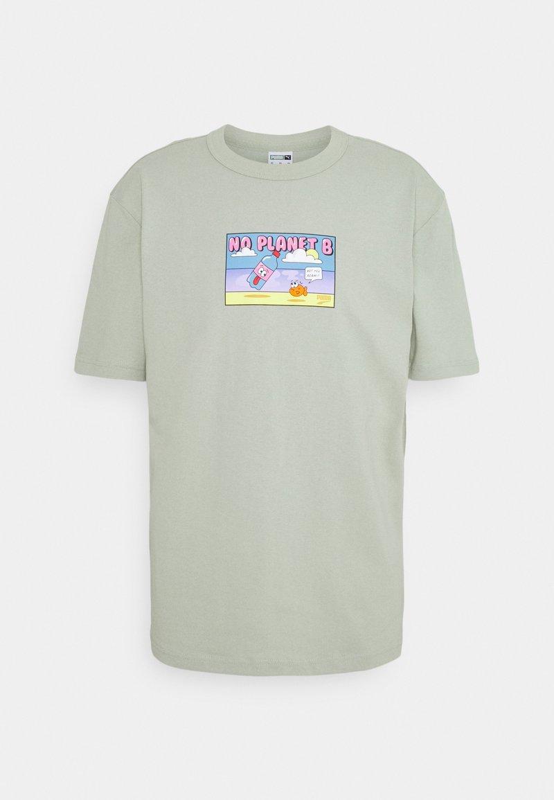 Puma - DOWNTOWN GRAPHIC TEE - Print T-shirt - desert sage