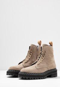Proenza Schouler - Platform ankle boots - deserto - 4