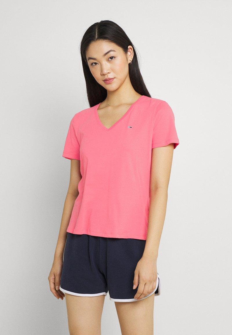 Tommy Jeans - SOFT V NECK TEE - T-paita - botanical pink