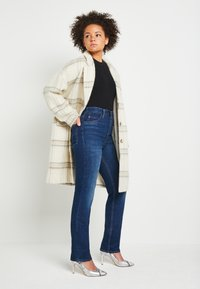 Levi's® - 70S HIGH STRAIGHT - Straight leg jeans - standing steady - 2
