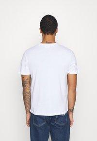 YOURTURN - UNISEX BUTTERFLY TEE - T-shirt med print - white - 2